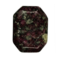 Angular Flat stones Eudialyte, 250g/packing unit