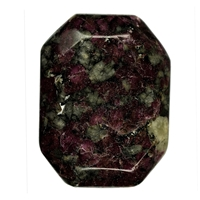 Flat stone angular Eudialyte in Syenite loose