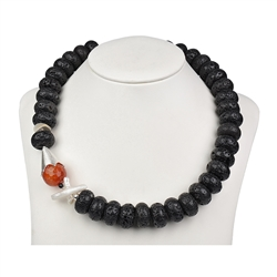 Collier Lava (black), Pearl Cross, Snakeskin Agate (dyed), 51cm