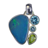 Pendant Opal Doublet, Topaz faceted, Peridot faceted. appr. 2,2cm
