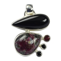 Pendant Eudialyte, Onyx (dyed), Garnet, Spinell, appr. 3,6cm