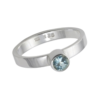 Design Ring with faceted blue Topaz, size 57