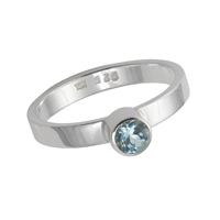 Design Ring with faceted blue Topaz, size 61