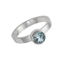 Design Ring with faceted blue Topaz, size 55