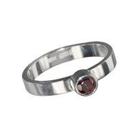 Design Ring with faceted Garnet, size 55