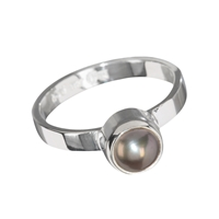 Design Ring with a violet Pearl, size 55