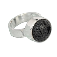 Design-Ring mit Lava, Gr. 61