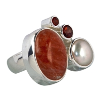 Ring Sunstone, Garnet and Pearl, Size 53