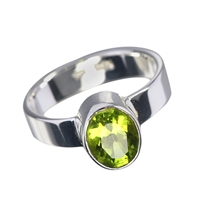 Design Ring Peridot oval, faceted, Size 57