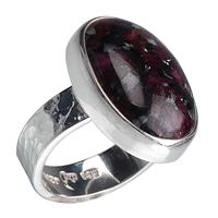Ring Eudialyte, Size 59