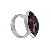 Ring Navette Eudialyte (25mm), Size 53